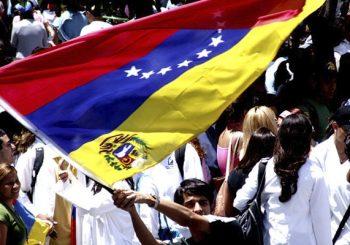 El crimen de persecución a través de la violación de los derechos económicos, sociales y culturales y del principio de no-discriminación en Venezuela
