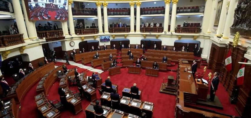 Crisis constitucional en el Perú: Tres Presidentes en siete días