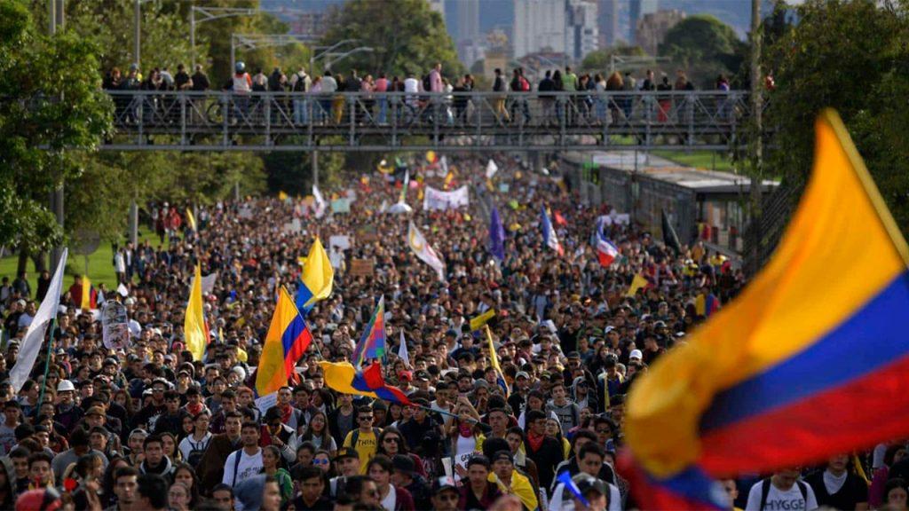 ¿Hacer para deshacer? Movilización social y estado de excepción en Colombia